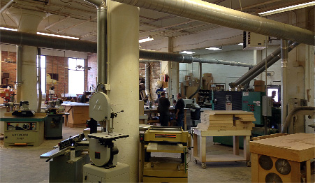 In addition to our in-house custom cabinetry, Cabinet Studio works with several quality cabinet manufacturers.